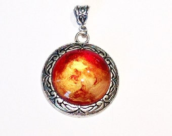 COLOURFUL hand pendant cabochon fire red gold necklace / cabochon glass magnifying glass / silver / silver during