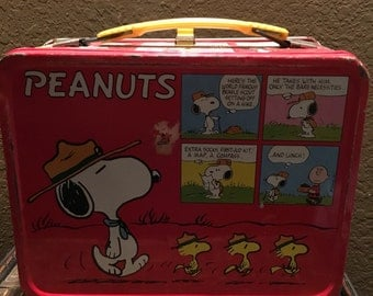 Vintage 1965 Peanuts metal lunchbox, retro lunchbox, Peanuts cartoon, Snoopy