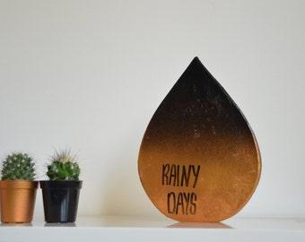 Metallic 'rainy days' Sculpture