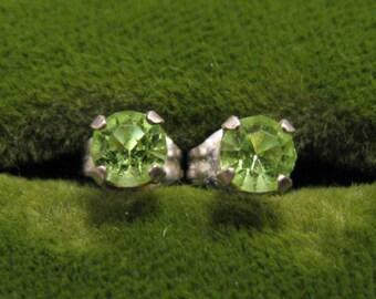 Vintage Sterling Silver Round Lime Green Peridot Stud Post Pierced Earrings