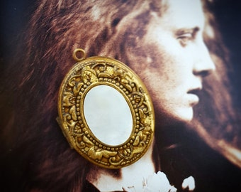 Victorian Style Locket, Mother of Pearl and Stamped Brass, Vintage Jewelry Finding, Locket For Layering, For Projects, Locket Under 20