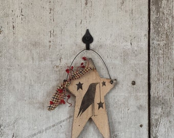 Primitive Country Crow on Star,Crow and Star,Painted Crow,Country Crow Primitive Decor,Painted Star,Pip Berries