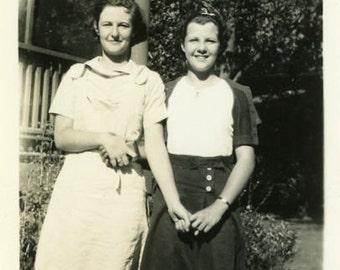 "Vintage Photo ""Friendship Hands"" Friend Snapshot Photo Old Antique Photo Black & White Photograph Found Photo Paper Ephemera Vernacular - 16"