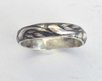 Wedding Commitment Band, Sterling Silver Leaves, Waves Pattern, Alternative Ring, Friendship Gift, Oxidized Patina, Unisex, Leaf Pattern