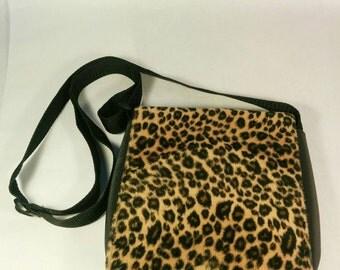 Vintage animal print purse, animal print purse, leopard print purse, leopard print bag, animal print bag, faux fur purse, faux leopard fur