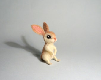 White bunny Easter bunny Mini rabbit Felted hare Tiny animal Wool Rabbit Needle felt animal Organic Gift Doll house Wool felted rabbit