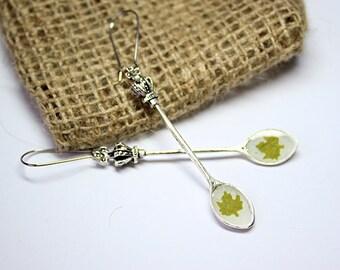 green earrings gifts/for/bff leaf earrings gift earrings floral earrings terrarium earrings white green earrings green jewelry gifts  сп13