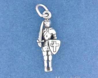 KNIGHT In Shining ARMOR Charm .925 Sterling Silver, Medieval Knight Pendant - lp4591