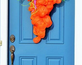 Easter Carrot , Carrot Wreath , Carrot Door Hanger , Easter Decoration, Farm Decor , Farmhouse Decor , Carrot Wall Hanger , Deco Mesh Carrot