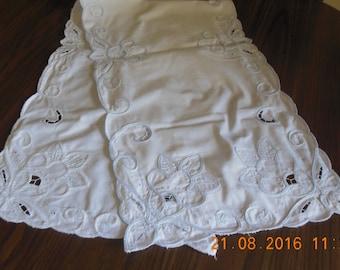 vintage battenburg lace table runner/ dresser scarf