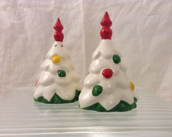 Vintage Snowy decorated Christmas Tree salt and pepper shakers