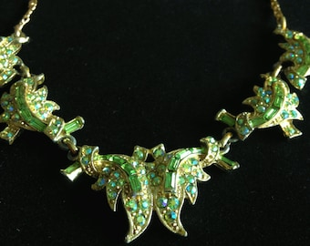 Gorgeous Green Vintage Rhinestone Necklace.