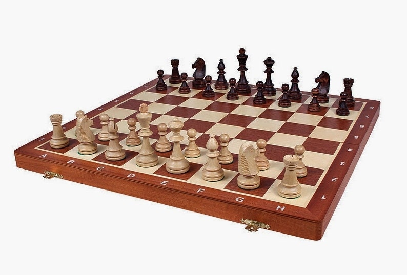 Brand new hand crafted wooden chess set tournament 48cm x for Hand crafted chess set