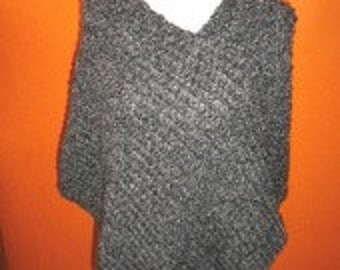 Hand-knitted Poncho in wool