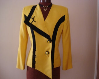 VINTAGE VISCARDI dressy TOP. Professional or evening look top. Canary yellow color. Made in Italy Size 8.