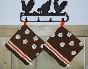 Set of 2 Brown pot holders