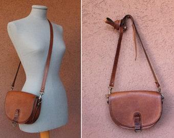 Vintage 1970's Bree Leather Bag / 70's Caramel Leather Messenger Bag
