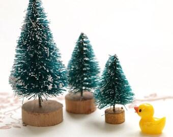 1pcs  Miniature Christmas Tree, Mini garden decoration/Miniature - for Fairy Gardens,