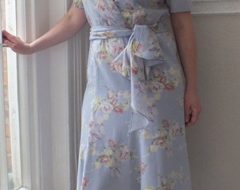Sale! Leslie Fay Wrap Over Summer Dress/1980s/Blue With Floral Print/Short Sleeves/Elasticated Waist
