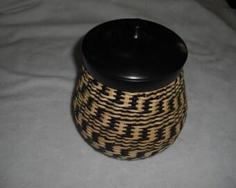 "5 "" Black and white nantucket basket"