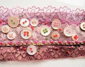fabric bracelet textile bracelet hippy bracelet lace bracelet pink rosa vintage buttons mother of pearl, boho bracelet