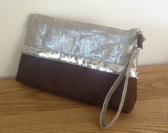 Small handbag with removable strap in iridescent linen and brown suedette, silvered spangles