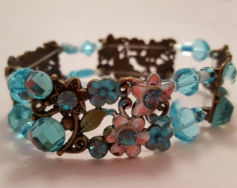 Turquoise 2 strand stretch bracelet of Swarovski elements and glass beads