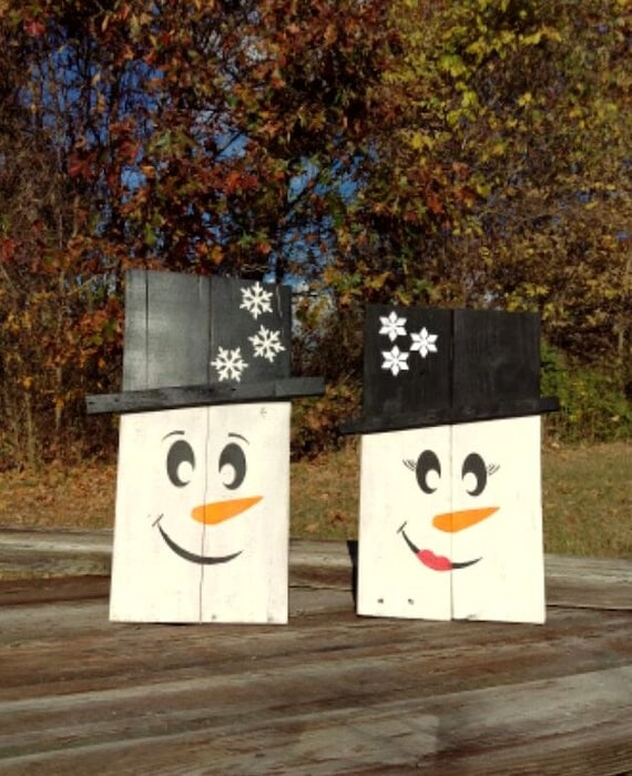 Wooden snowman set of two recycled pallet wood by for How to make a wood pallet snowman