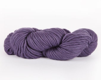 Super Chunky Yarn. Heather Purple CHEEKY CHUNKY. Super Bulky Merino Wool.  Big Giant Extreme Knitting.   Y055