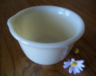 Mixing bowl for Hamilton Beach mixer, cream color
