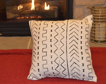 """16"""", 18"""", 20"""", Lumbar - African Mud cloth Pillow Cover; Bogolanfini Decorative Pillow, Black & White Mudcloth Throw Pillow from Mali -BF1004"""