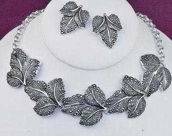 Vintage Leaf Motif Necklace and Clip Earrings Set