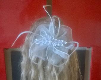 white bridal kanzashi flower hair clip