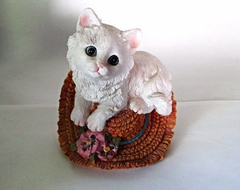 White Cat 0n a hat vintage figurine from the 1980s resin hand painted