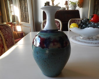 ART POTTERY Vase Signed DEARY