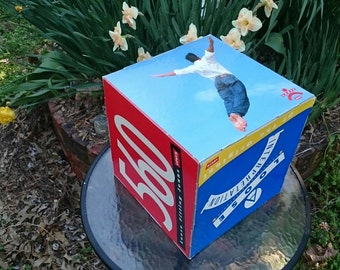 "LEVI's Advertising Box Levi's 560 JEANS Loose Fit Original / 10 1/2"" Cardboard Counter Display Box / 90's Men's Clothing"