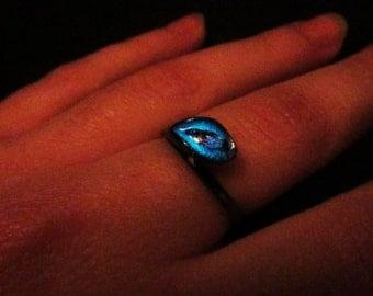 Black ring glow in the dark