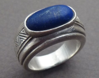 Silver and Lapis ring size size 7