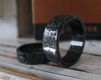 Man Wedding Band Man Wedding Ring Black Men's Wedding Band Mens Wedding Ring Black Wedding Band Unique Wedding Band Rustic Wedding Band