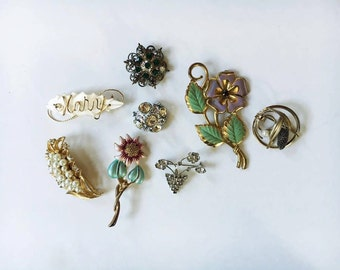 Vintage Lot of 8 Brooches / Pins