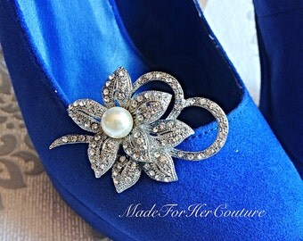 Shoe clips, wedding shoe clips, shoe clip ons, shoe clips bridal, wedding flower shoe clips, bridal shoe clips, pearl shoe clips, accessory