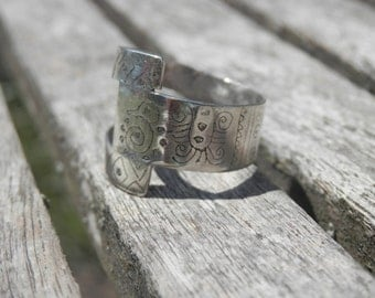 RING Sterling Silver engraved Maya Mexico Hand Made    Ethnic Boho