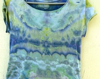 H23 - Adult Large - L - Tie-dye t-shirt Soothing blue green ice-dye scoop neck Anne Taylor Loft pastel goth hippie hip boho bohemian