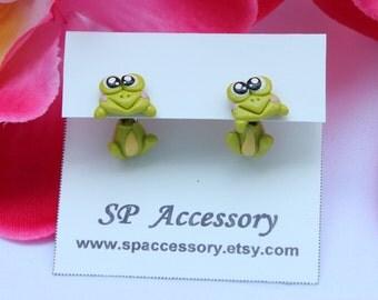 Keroro earrings, Frog clay earrings, green frog clay earring, stud earring, earrings clay, frog stud