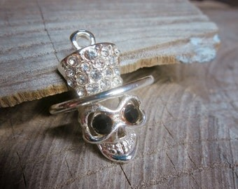 Skull Pendant Charms ~1 pieces #101006