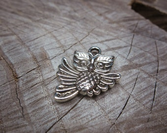 Owl Charm Pendant Charms ~1 pieces #100272