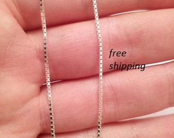 Sterling silver neck box chain; 22 inch