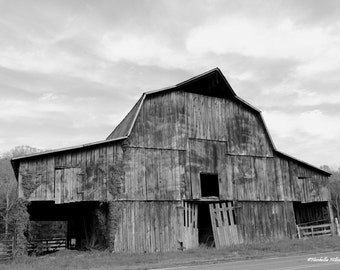 Old Barn Photography,FREE SHIPPING, Farm House Decor, Old Tennessee Barn, Rustic Decor,Black and White, Barn Decor, Fine Art Photography