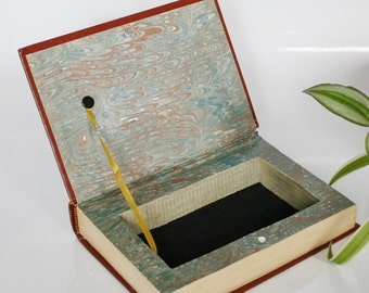 Box jewelry, Vintage upcycling hollow book secret book