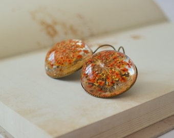 Cabochon earrings with a Flourishing imagination